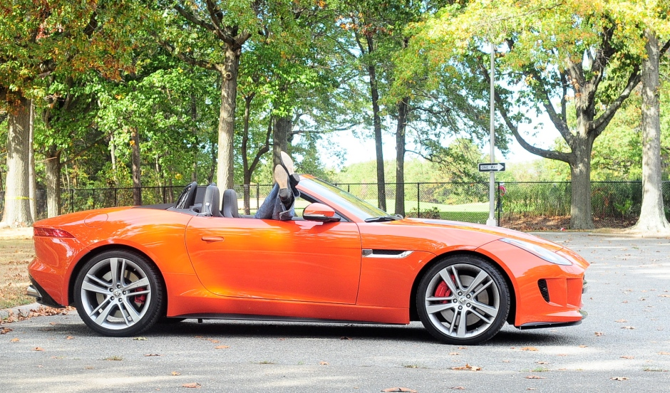 2014 F-Type wit BOOTS