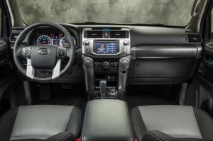2014_Toyota_4Runner INT