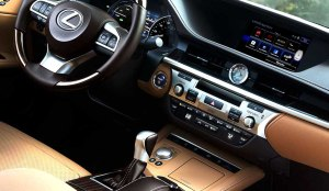 LexusINT ES300h