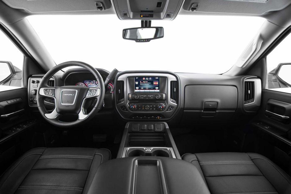 2014-gmc-sierra-denali-1500-crew-cab-interior-view-02