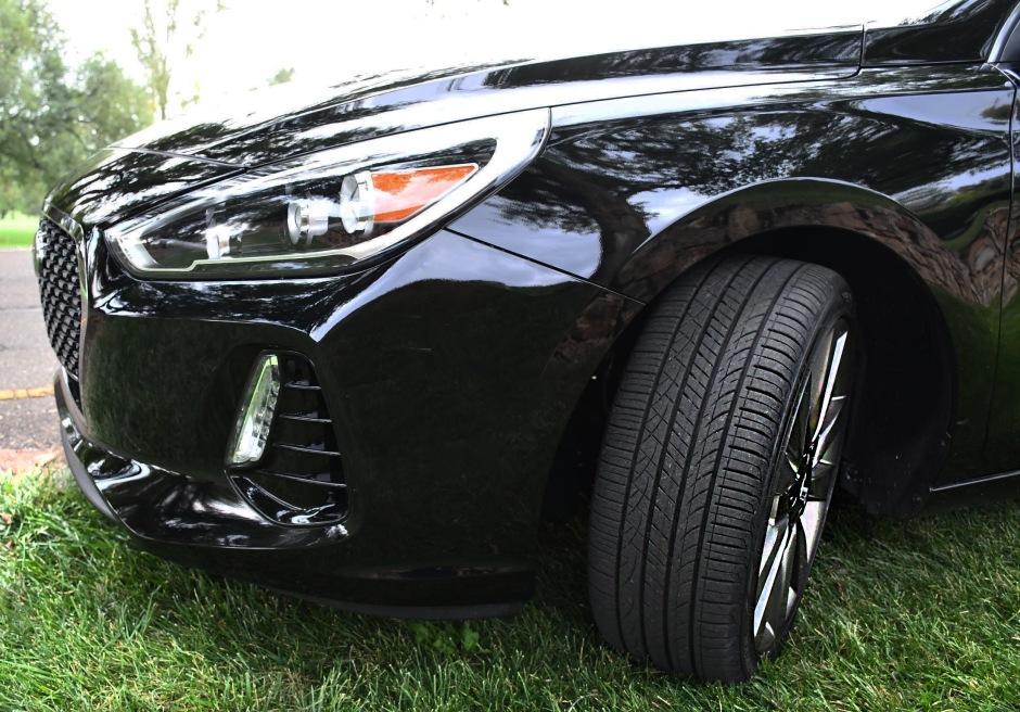 2018 Hyundai Elantra FRONT LEFT TIRE TURNED